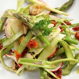Asparagus salad with California sun dried tomatoes