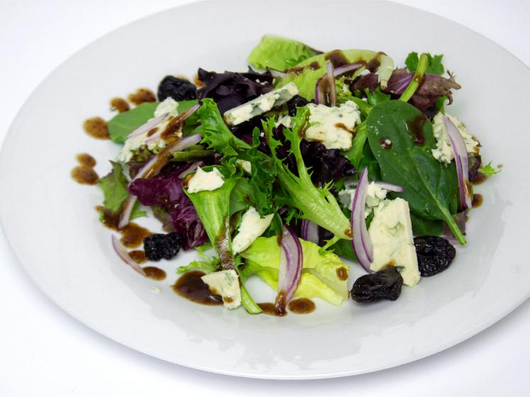 mixed green salad with dried cherry balsamic dressing