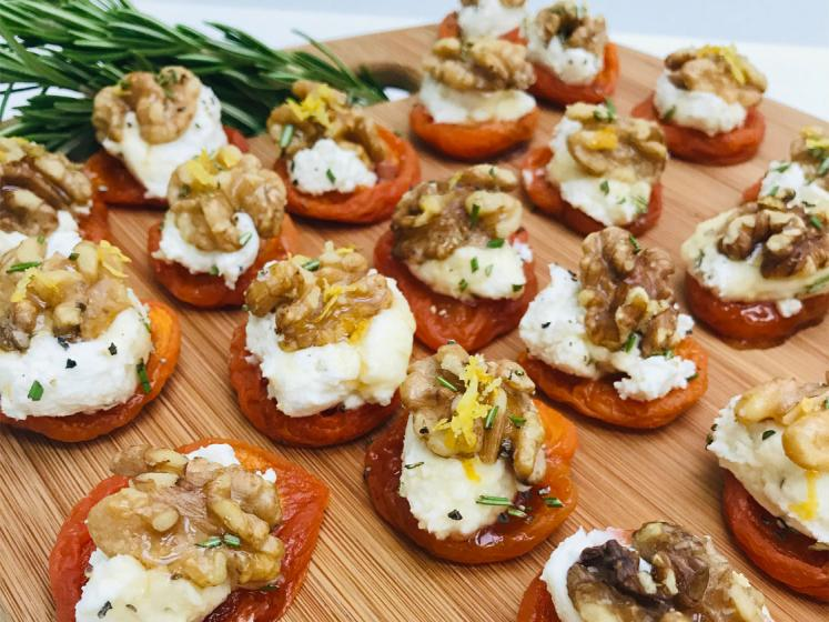 California Sun Dried Ruby Royal Apricots and Goat Cheese Appetizer