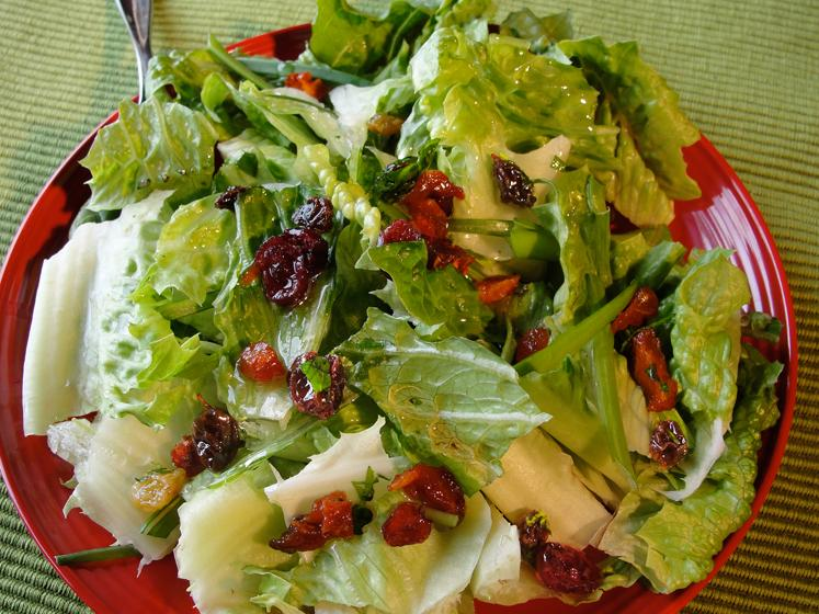 Salad with Dried Fruit